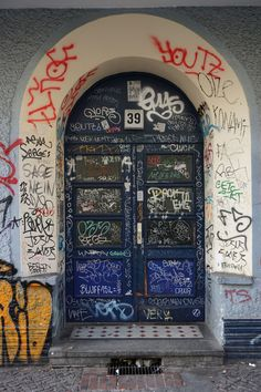 Berlin / Tags Graffiti. Feast your eyes with graffiti arts from Bombing Science!