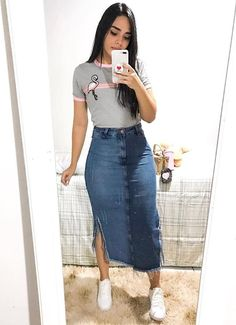 26 Demin Jeans Skirt Outfits the Chic Way A denim skirt is not only super versatile but also a classic and must-have piece that will help you pull off endless types of outfits.Try these stylish denim skirt outfit Skirt Outfits Modest, Denim Skirt Outfits, Denim Outfit, Casual Skirts, Casual Summer Outfits, Cute Outfits, Modest Wear, Denim Skirts, Denim Fashion