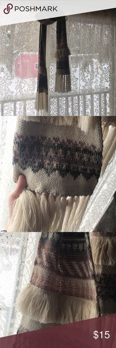 "AEO Fringed Scarf AEO Fringed Scarf. Colours — gray, cream, light pink, & magenta. Super gorgeous & have only worn a few times! ✨ Measures about 98"" long, spread end to end.  🍾 3+ ITEMS = 15% DISCOUNT! 🍾 American Eagle Outfitters Accessories Scarves & Wraps"