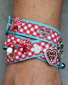 Armband aus Webbändchen
