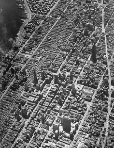 A clear, sharp, aerial of New York City showing Midtown. New York, NY, July 1949 Old Pictures, Old Photos, Vintage Pictures, New York City, New York Architecture, New Amsterdam, Empire State Of Mind, Vintage New York, I Love Ny