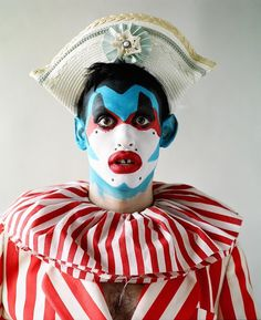 look for an ascot. a big cigar Clown Makeup, Costume Makeup, Queer Fashion, Fashion Art, Body Painting, Leigh Bowery, Circus Clown, Club Kids, Creative Makeup
