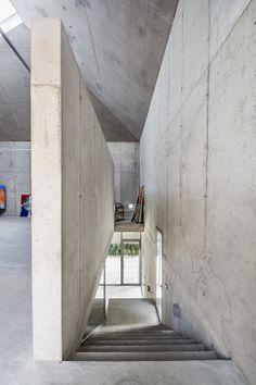 Atelier in Barcelona / Betonhöhle im Wald - Architektur und Architekten - News / Meldungen / Nachrichten - BauNetz.de