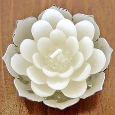 White Lotus Candles in Lotus Offering Bowl. Lovely! #BuddhistWedding #DharmaCrafts