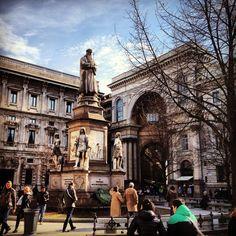 Piazza delle Scala  #square #milano #monument #statue #piazzadellascala #milan #italia #italy