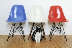 Chaise Eames DSR  Medium Blue + Off White + Red