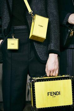 Lv Handbags, Louis Vuitton Handbags, Fashion Bags, Fashion Accessories, Fashion Fashion, Runway Fashion, Fashion Trends, Vogue Paris, Cyberpunk Clothes