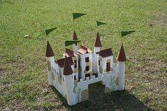 Knight's castle from milk cartons DIY