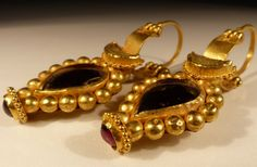 Roman Gold Earrings,  date to the 2nd Century AD