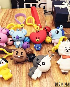 BTS+BT21+CUTE+SILICONE+BAG+KEYCHAIN+of+DOOTASTYLE