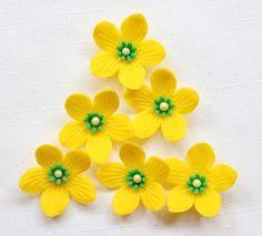 36 Yellow Sorrel edible fondant flowers Small perinneal Hawaiian tropical cupcake cake toppers rose decoration wedding Inscribinglives by InscribingLives (16.99 USD) http://ift.tt/1QFYJXI