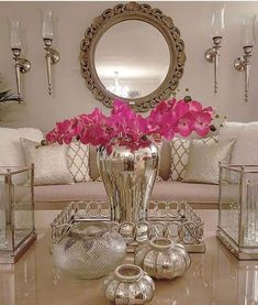 Crystal Glass Room Decor - The most beautiful home decor list Glam Living Room, Living Room Decor Cozy, Interior Design Living Room, Living Room Designs, Glass Room, Elegant Home Decor, Decorating Coffee Tables, House Styles, Instagram