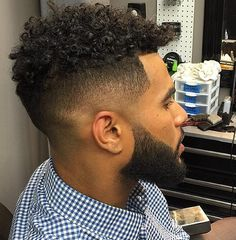 Ideas Hairstyles Men Curly Black Curls For 2019 Black Men Haircuts, Black Men Hairstyles, Stylish Haircuts, Cool Haircuts, Afro Hairstyles, Hairstyles Pictures, Modern Haircuts, Men's Hairstyles, Formal Hairstyles