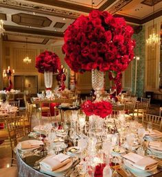 Un Mariage Bicolore Rouge Et Or Decoration Mariage Wedding