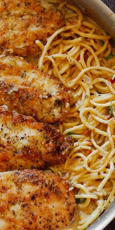 Italian Chicken Pasta in Creamy White Wine Parmesan Cheese Sauce will remind you of your favorite dinner experience! Ingredients include: chicken breasts, flour, salt and pepper, garlic, Italian… Parmesan Cheese Sauce, Cheese Sauce For Pasta, Parmesan Pasta, Four Cheese Pasta, Wine Cheese, Cheese Ball, Italian Chicken Pasta, Chicken Spaghetti Recipe With Red Sauce, Healthy Chicken Pasta