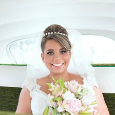 Noiva Karol. Bride. Wedding. Makeup. Beauty. Hair.