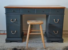Fab Rehab Creations: Quick Desk Redo: Gorgeous in Gray