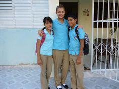 In der Dominikanischen Republik läuft Schule anders ab als in Deutschland : Ein Bussi für den Lehrer