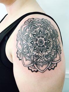 #tattoos #shouldertattoo #mandala #mandalatattoo #13moonstattoostudio