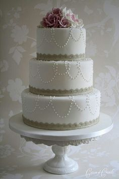 My pretty wedding cake by Cotton & Crumbs