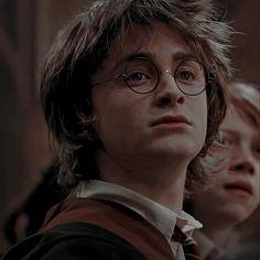 Harry James Potter, Daniel Radcliffe Harry Potter, Mundo Harry Potter, Harry Potter Icons, Harry Potter Draco Malfoy, Harry Potter Tumblr, Harry Potter Anime, Harry Potter Pictures, Harry Potter Aesthetic