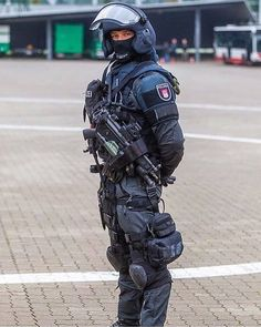 """2,178 mentions J'aime, 7 commentaires - @militaryfanatics01 sur Instagram: «""""POLIZEI"""" #militaryfanatics01 #militaryfanatics02 #military #soldier #army #tactical #weapon…»"""