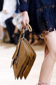 Clutch Abendtasche elegant Style Glam Vogue Print Zeitschrift modern Druck Gold