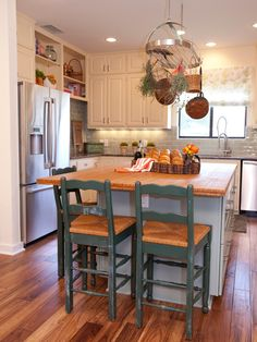 HGTV.com has inspirational pictures, ideas and expert tips on beautiful small kitchen islands.