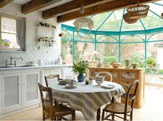 Window Greenhouse - Kitchen Garden Window - guide to . *** Click image to read more info. French Country House, French Farmhouse, Country Farmhouse, Country Style, Greenhouse Kitchen, Window Greenhouse, French Style Homes, Shabby Home, Small Room Design