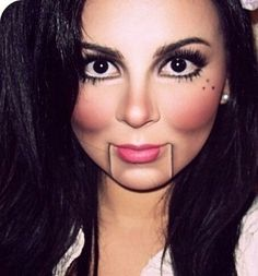 Simple Doll Makeup Halloween with a mix of ventriloquist doll. Diy Doll Costume, Costume Makeup, Costume Halloween, Halloween Face Makeup, Creepy Doll Costume, Broken Doll Costume, Costume Ideas, Creepy Dolls, Wind Up Doll Costume