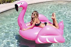 Which Giant Pool Floatie Best Matches Your Personality? - This summer's hottest accessory is inflatable. - Quiz
