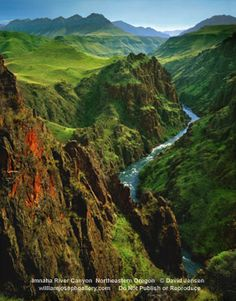 River Canyon in Northeastern Oregon ..... There are places like this in the America, and I live in Atlanta? :(