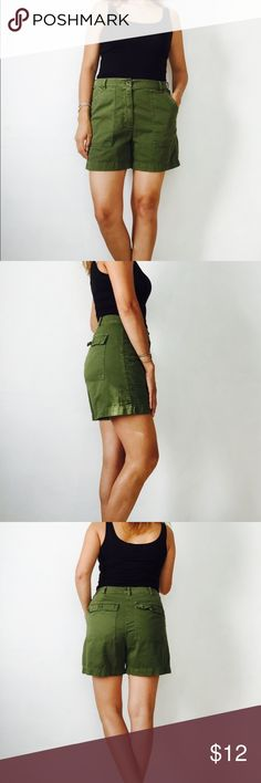 JCREW army green chino shorts 8 JCREW army green chino shorts, size 8. Perfect everyday shorts. Gently used, no stains, rips or holes. Two pockets in front and two on back with button closure. BUNDLE & SAVE 15% ❌TRADES❌ 🍂191517🍂 J. Crew Shorts