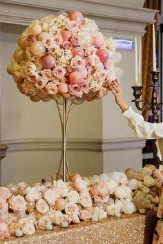 Balloons Photography Ideas For Your Wedding ★ balloons photography balloon centerpiece with flowers Balloon Arrangements, Balloon Centerpieces, Balloon Decorations Party, Wedding Flower Arrangements, Flower Bouquet Wedding, Floral Arrangements, Balloon Party, Bridal Bouquets, Wedding Centerpieces