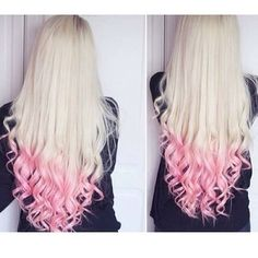 Peach hair tips on blonde hair. Again, I'd never actually do it, but I do like the look Pink Blonde Hair, Ombre Blond, Pink Ombre Hair, Blonde With Pink, Platinum Blonde, Darker Blonde, Brown Blonde, Blonde Brunette, Curled Hairstyles