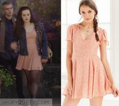 Hannah Baker Fashion, Clothes, Style and Wardrobe worn on TV Shows |