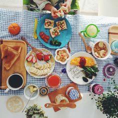 .@mashu1212 | 今日の朝ごはん♩ 大人はトースト、プレーンオムレツ、トマトとツナとじゃがいもと... | Webstagram
