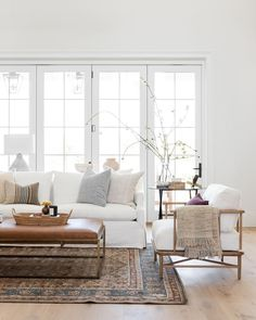 My Living Room, Home And Living, Living Room Decor, Bedroom Decor, White Couch Living Room, Danish Living Room, Living Room Designs, Simple Living Room, Beautiful Living Rooms