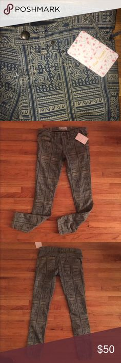 FREE TOTEFREE PEOPLE Tribal Print Skinny Jeans Fit very true to size of not smaller, does not run large like some Free People.  No Trades   Offers only through tool Same day shipping Ask for a free gift   trendsandthreads.net Free People Jeans