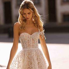 Purity of white #Berta #vakkowedding #bridal Strapless Dress Formal, Formal Dresses, Sexy, Bride, Wedding, Fashion, Bride Groom Dress, Neckline, Vestidos