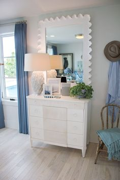 This gorgeous bedroom from the 2016 HGTV Dream Home is full of decor inspiration!