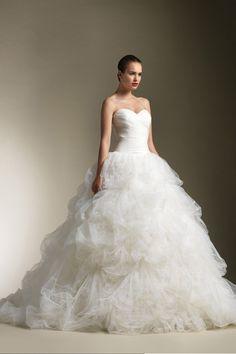 2013 Wedding Dresses Ball Gown Sweetheart Sweep/Brush Train Organza