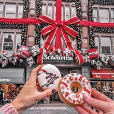 Christmas Mood and donuts Are you ready for . Christmas Photo, Christmas Collage, Cosy Christmas, Christmas Feeling, Merry Little Christmas, Christmas Pictures, First Christmas, Christmas Time, Xmas