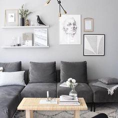 Living Room Designs, Living Room Decor, Velvet Sofa, Interior Design Studio, Handmade Home Decor, Bedroom Inspo, Scandinavian Style, My Room, Inspiration