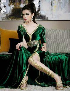 Caftan marocain tissus velours