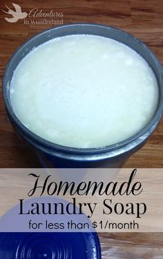 homemade laundry soap - easy to make laundry soap that will save your family money! Budget friendly cleaning tip Cleaning Recipes, House Cleaning Tips, Cleaning Hacks, Cleaning Solutions, Clean Baking Pans, Cleaning Painted Walls, Thing 1, Glass Cooktop, Laundry Hacks