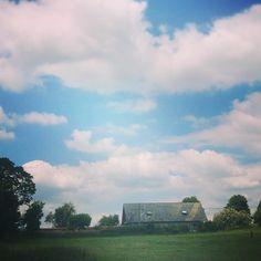 "Jennie Stoddart (@jenniekstoddart) on Instagram: ""#summer #lazysunday #viewfrommyhouse #neighbours #wiltshire #salisburyplain #clouds #bigsky…"""