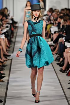 Oscar de la Renta Resort 2012 Collection Photos - Vogue