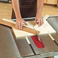 On-the-Money Miter Jig Woodworking Plan, Workshop & Jigs Jigs & Fixtures Workshop & Jigs $2 Shop Plans:  #WoodworkIdeas