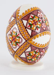 The Bukovina (land of beech trees) is one fascinating part of the north east of Rumania. It is famous for its magnificent painted monasteries where the tradition of painting Easter eggs is still alive.